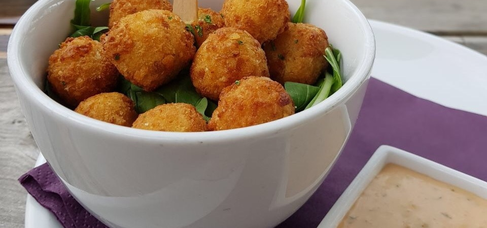 Schwarze_KIste_Chili_Cheese_Poppers